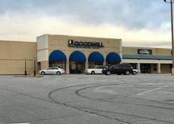 Hillwood Shopping Center: