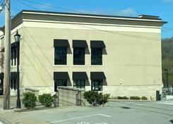 143 Franklin Road: side of building